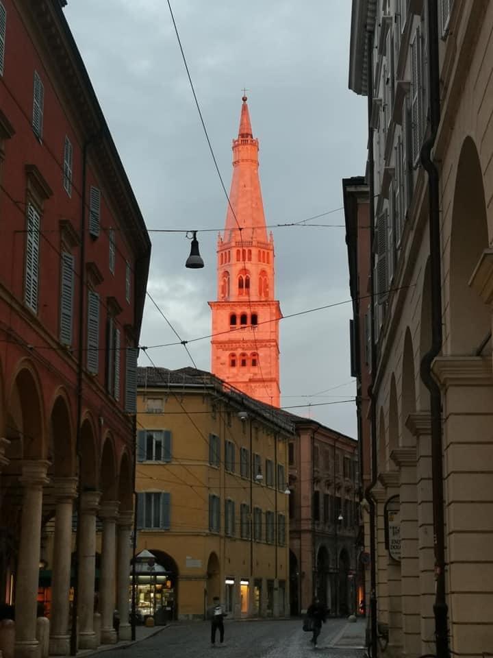 Ghirlandina, Modena