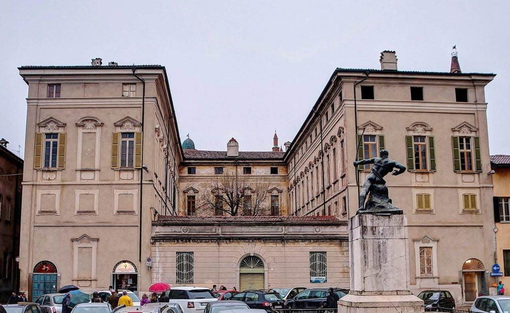 palazzo Benzoni, Crema