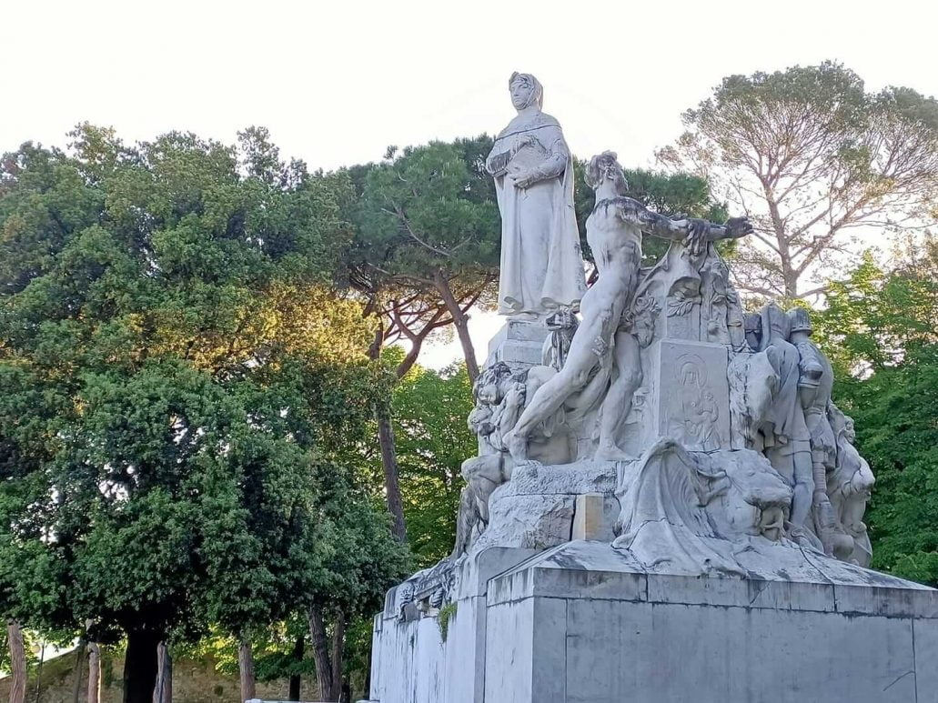 Petrarch statue, Arezzo