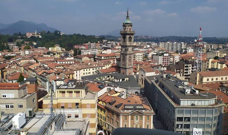 16 Best Things to do in Varese, Italy